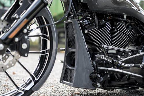 "Harley-Davidson ""Aggressor"" Series Touring Radiator Cover 17-19"